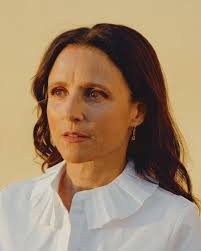 julia louis dreyfus acts out the new