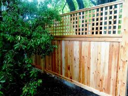 Wood Privacy Fence With 2 Foot Lattice Topper Fence Design Wood Fence Design Wood Privacy Fence