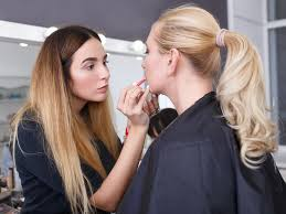 25 best make up courses in sharjah 2020