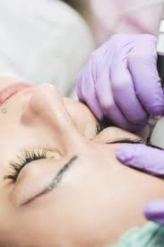 does microblading hurt what to expect