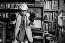 Going Gonzo: Hunter S. Thompson's Eccentric Style