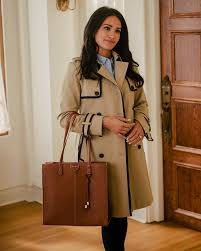 Tiffany Smith - Coat's on🧥 Bag's packed👜 Clearly I'm... | Facebook