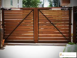 Pin By Rayna Watson On Yard And Garden Wood Gates Driveway Fence Design Driveway Gate