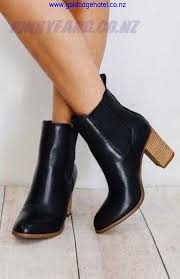 fashion shoes and clothing