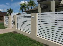 27 Best Inspiring White Aluminum Fence Ideas And Designs A Fence Is Definitely One Of The Must Installed Additi Modern Fence Design Fence Design Modern Fence