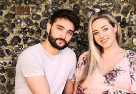 It's a boy! Tom Parker and wife Kelsey are expecting a son | SHEmazing!