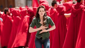 The Twilight Saga: New Moon 2009 fuld film online streaming dansk |  Movie123 I 'New Moon' er Kristen Stewart og Rob… | Twilight saga, Edward  cullen, Kristen stewart