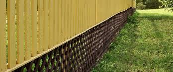 Cover Gaps In Wood Fence Woodsinfo
