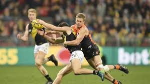 AFL 2018: Giant Adam Kennedy returns to play key role in win over Richmond  | The Mercury