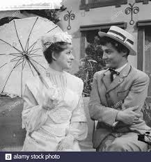 Television title A beautiful Sunday in September. Myra Ward and Jules  Croiset Date: June 15, 1961 Keywords: actors, television dramas Personal  name: Croiset, Jules, Ward, Myra Stock Photo - Alamy