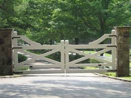 A Driveway Gate Signifies An Property Is Situated Forward An Space Of Magnificence And Reprieve And No Matter The In 2020 Farm Gate Farm Entrance Farm Gate Entrance