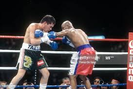 Julio Cesar Chavez and Meldrick Taylor fight for the WBC and Lineal... News  Photo - Getty Images