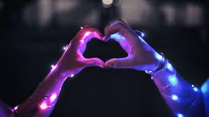 1366x768 heart gesture hands