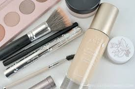 best natural makeup brands 100