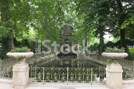 medicis fountain in luxembourg gardens