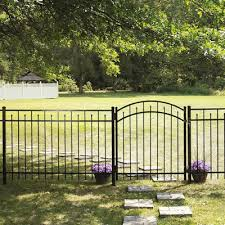 Freedom Actual 3 91 Ft X 6 026 Ft Standard Concord Black Aluminum Spaced Picket Flat Top Decorative Metal Fence Panel Lowes Com In 2020 Metal Fence Panels Metal Fence Fence Panels