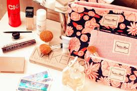 what s in my makeup bag with valere rene