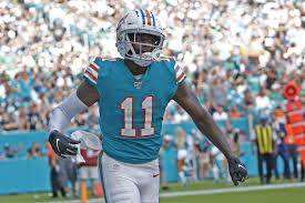 DeVante Parker, Dolphins Agree to 4-Year, $40 Million Contract ...