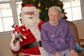 Hey Santa! Noble Manor residents enjoy visit from St. Nick - The Troy  Messenger | The Troy Messenger