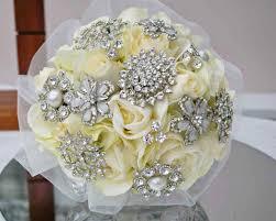 باقات ورد للعروس من ذهب ومجوهرات مجلة سيدتي