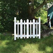 Gatehouse Common 3 Ft X 3 Ft Actual 2 5 Ft X 3 19 Ft White Vinyl Decorative Metal Fence Panel In The Metal Fence Panels Department At Lowes Com