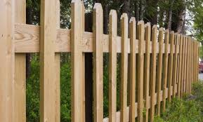 Wood Vs Chain Link Fence Pros Cons Comparisons And Costs