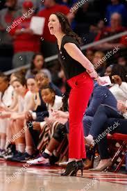 Dayton head coach Shauna Green gives instructions Editorial Stock ...