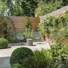 Ideas Of Modern Garden Fence Designs For Summer Ideas Courtyard Gardens Design Small Courtyard Gardens Small Garden Design