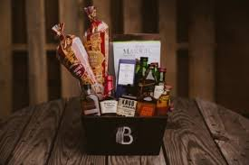 valentine s day gift baskets for men