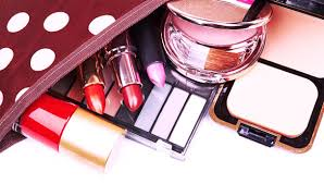 how to pack your travel makeup kit like