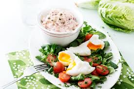 Keto Tuna Salad with Poached Eggs ...