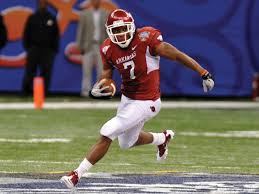 Knile Davis To Stay At Arkansas In 2012 | Arkansas Business News ...