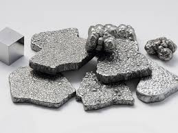 interesting and useful facts about iron