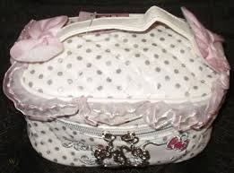 o kitty makeup w cute cosmetic bag