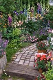 small lush cottage garden now this is