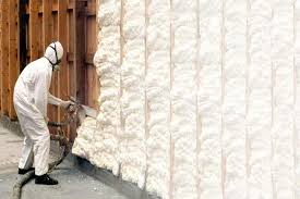 fiberglass insulation vs spray foam