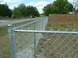 How To Install Chain Link Fence 的图片搜索结果 Modern