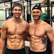 """Lincoln Younes on Twitter: """"Opening night tonight!! 🎉🎭💪Big thanks to my  longtime PT and friend @UnityGym for helping me get """"stage-fit""""!  @griffintheatre let's do this!… https://t.co/HyrK9s53gW"""""""