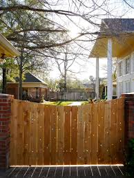 Diy Fencing Fence Building Tips For Homeowners 15 Diy Fence Ideas