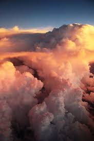 aesthetic sharer zhr on above the clouds
