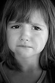 بكاء اطفال حزينه