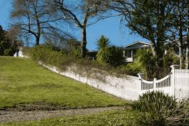 How To Build A Picket Fence On Uneven Ground Motueka Pickets