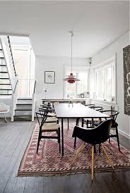 dining rooms made cozy with kilims
