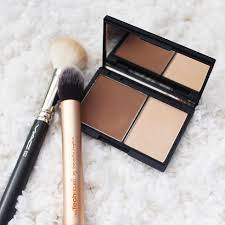 face contour kit um by sleek