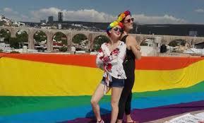 Acusan Luis Nava por discriminación a comunidad gay en Querétaro