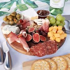 easy charcuterie board to make within