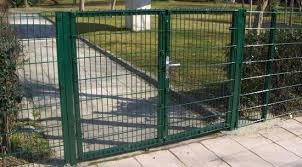 Welded Wire Mesh Fence Metal Fence Posts China Fencing Post Made In China Com
