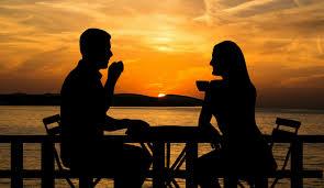 Immagini Belle : tramonto, coppia, caffè, seduta, tavolo, bere, sedia, tè,  tazza, marito, moglie, potabile, detenzione, stile di vita, incontro,  boccale, insieme, relazione, mare, isola, Croazia, costa, Adriatico, acqua,  cielo, estate, paesaggio,