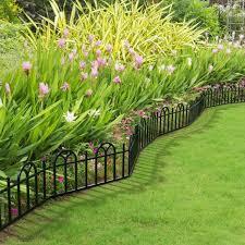 Pure Garden 10 In Plastic Black Interlocking Garden Edging Fence 8 Ft Overall Length 4 Piece Set Hw155048 The Home Depot