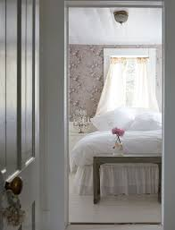 get shabby chic style with vintage